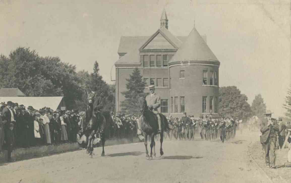 Iowa, Battle Creek Military Band parade 1908